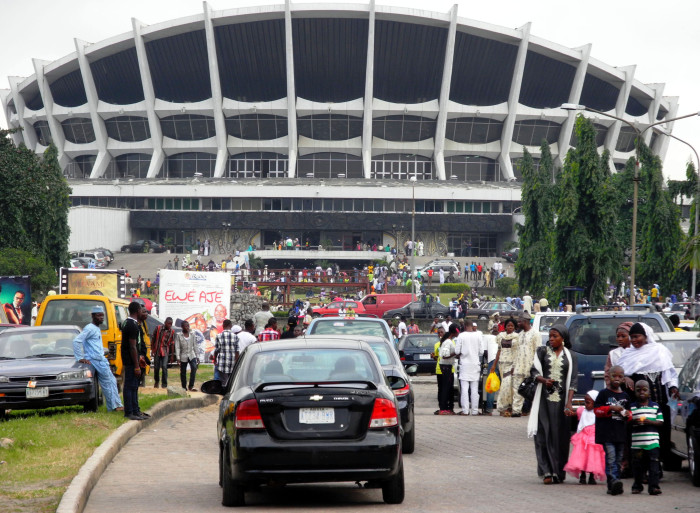 PIC. 11. PICNICKERS AT THE NATIONAL THEATRE DURING SALLAH HOLIDAY IN LAGOS ON MONDAY (20/8/12).